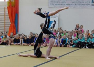 Mikołajkowy Turniej w akrobatyce sportowej