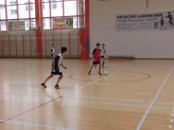 X Halowy turniej piłki nożnej dla uczniów klas 4 - 6