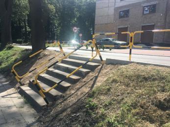 Naprawa schodów i nowy zjazd przy OR Planty