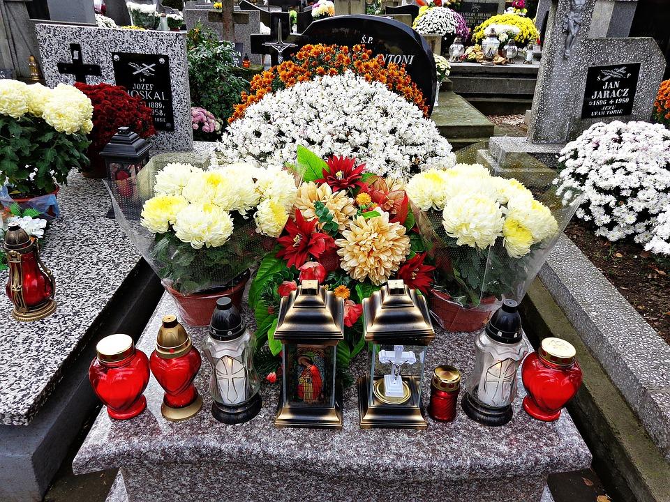 Rady dla odwiedzających cmentarze