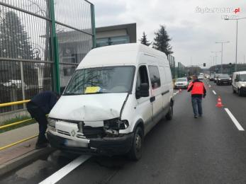 Wypadek na DK -81 w Mikołowie. Pomocy poszkodowanym udzielił policjant po służbie