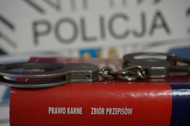 31 - latek zatrzymany za kradzież sklepową i groźby karalne