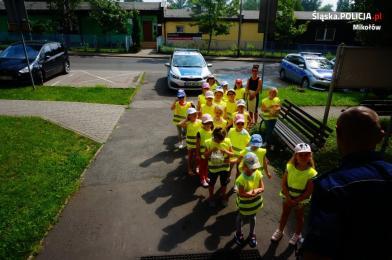 Spotkanie przedszkolaków z mikołowską policją