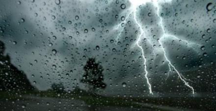 Uwaga! Ostrzegamy przed burzami z gradem