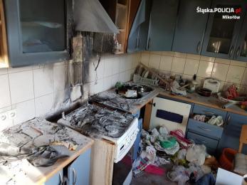 Policjanci uratowali z pożaru mężczyznę oraz królika jego córki