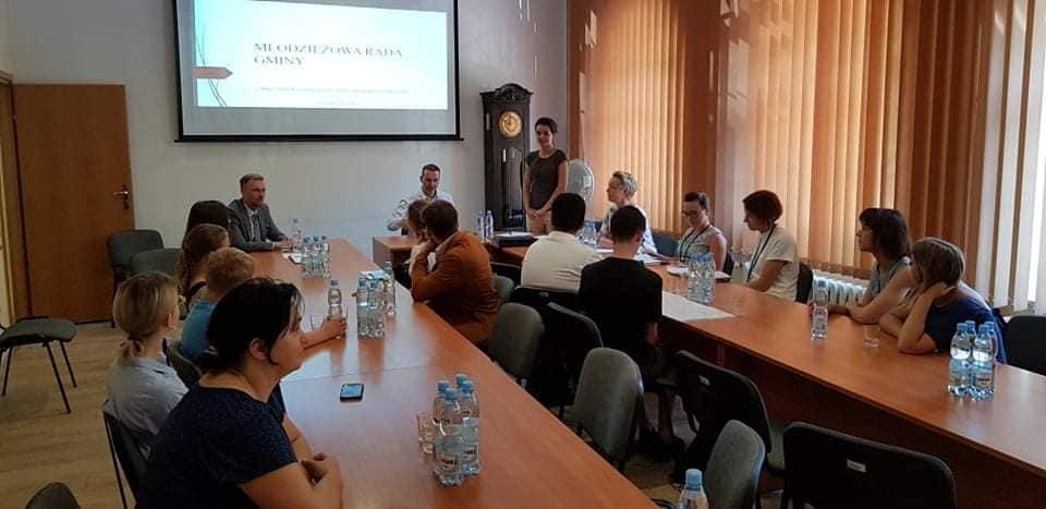 W Mikołowie powstanie Młodzieżowa Rada Miasta. Ruszyły konsultacje społeczne