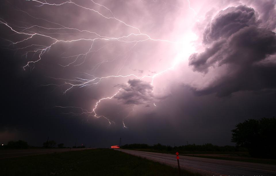Burze i grad po raz kolejny nad Śląskiem - ostrzeżenie meteorologiczne