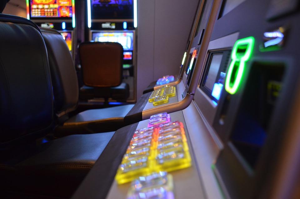 Kolejne wejście do nielegalnego salonu gier