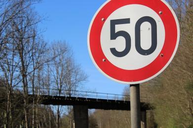Jechała ponad 100 km/h! Kobieta straciła prawo jazdy