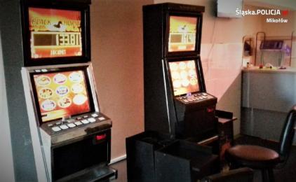 Policjanci zlikwidowali kolejny punkt z nielegalnymi automatami do gier hazardowych