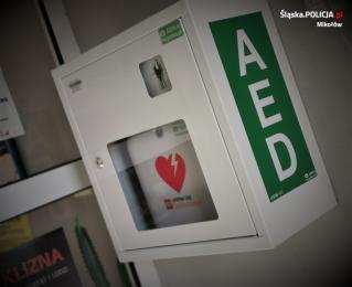 Automatyczny Defibrylator Zewnętrzny w mikołowskiej komendzie