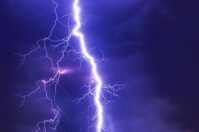 IMGW ostrzega przed burzami z gradem na terenie województwa śląskiego!