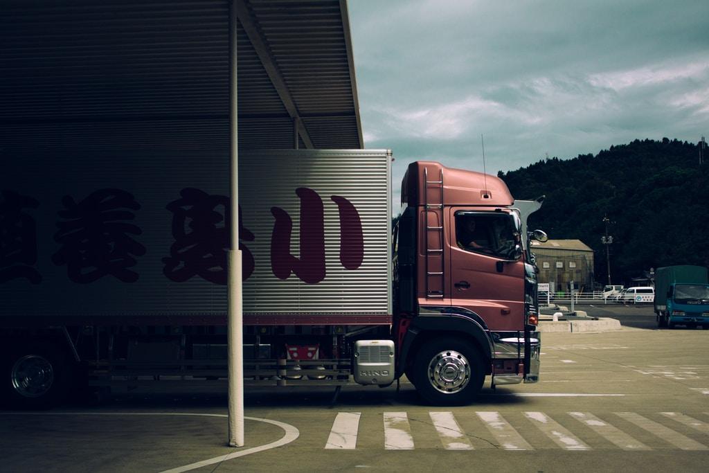 Części do aut ciężarowych - praktyczne informacje