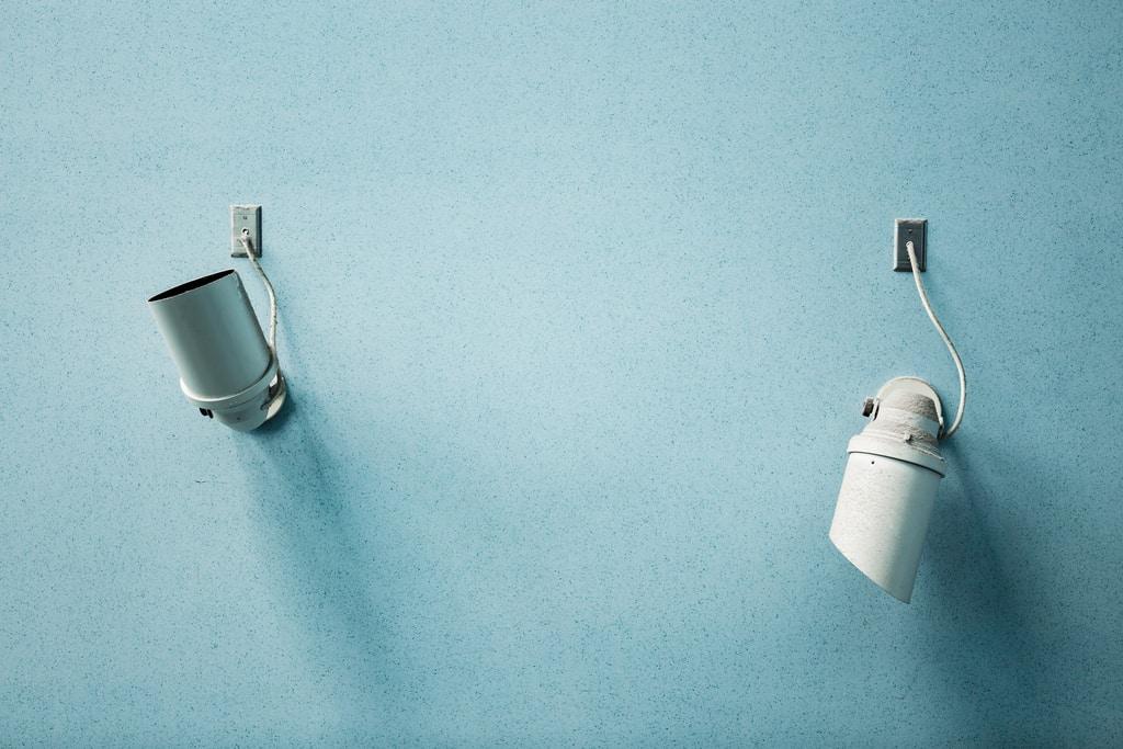 Eleganckie oświetlenie Twojego domu - kinkiety białe
