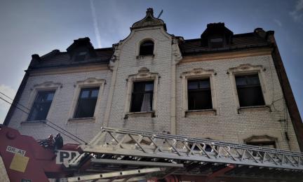 Powstała zbiórka dla pogorzelców z Jana Pawła II. Mieszkańcy potrzebują pomocy po pożarze